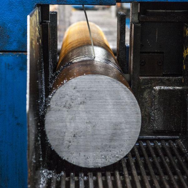 stampaggio acciaio a caldo - taglio materie prime